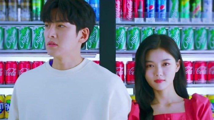 Ji Chang Wook dan Kim Yoo Jung dalam drama Korea Backstreet Rookie