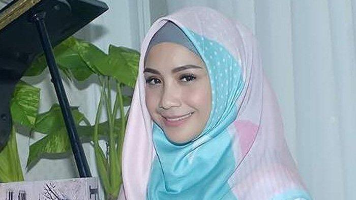 Jilbab Wanita.