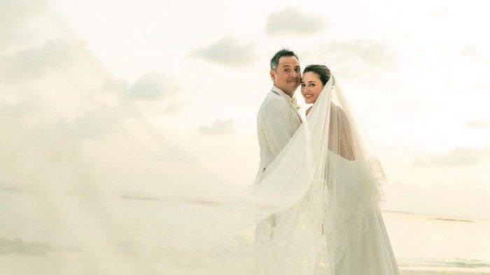 Julie Estelle dan David Tjiptobiantoro menikah