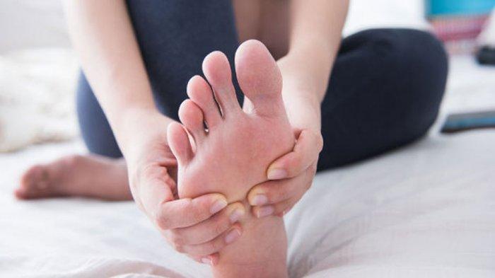 10 Tanda Pada Kaki Tunjukkan Kita Menderita Penyakit Serius, Salah Satunya Bisul!