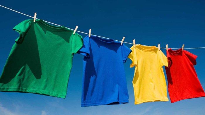 Ilustrasi pakaian warna-warni.