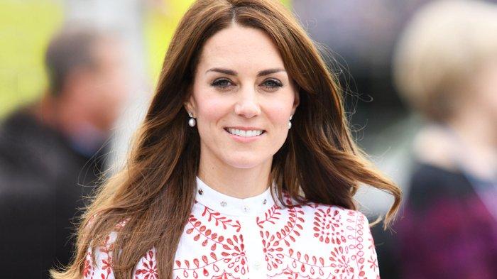 Inilah Warna High Heels Kesukaan Kate Middleton saat Tugas Negara, Intip Foto-foto Penampilannya!