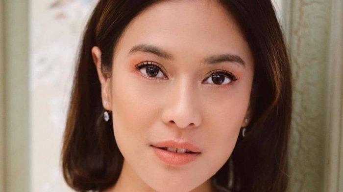 Dian Sastro Unggah Foto Jadul di Malam Sebelum Pernikahan, Eva Celia Salah Fokus 'Aku Kira Mamaku'