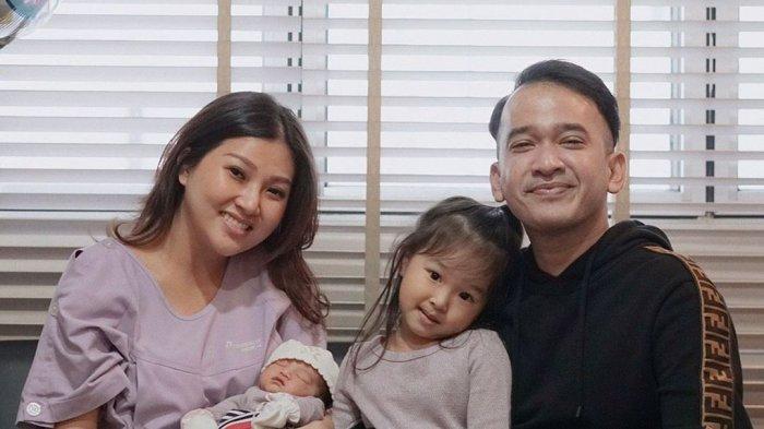 Thalia Putri Onsu Perlihatkan Rasa Sayang ke Adik saat Pemotretan, Sarwendah Terharu & Beri Doa Ini