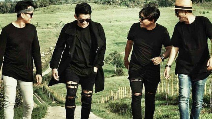 Tak Hanya Ifan Seventeen, 7 Band Terkenal Ini Juga Ditinggal Personilnya, Ada yang Tewas Ditembak