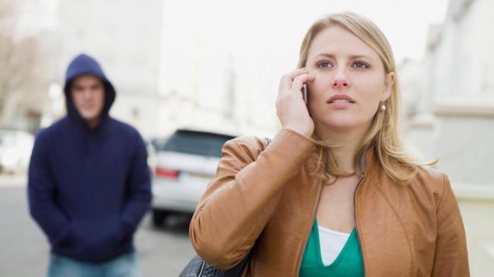 Stalking Mantan - 7 Alasan Masih Kepoin Orang di Masa Lalu, Mungkin Saat Ini Kamu Masih Sayang