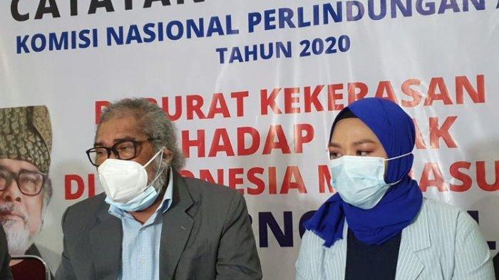 Ketua Umum Komnas Anak, Arist Merdeka Sirait dan mantan istri Daus Mini, Yunita Lestari.