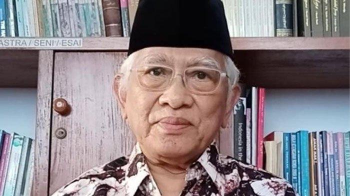 KH Ahmad Mustofa Bisri alias Gus Mus.