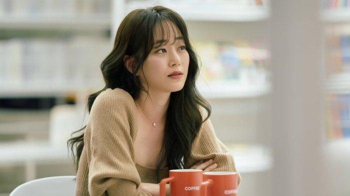 Ingin Glowing Bak Cewek Korea? Cek Rekomendasi Make up Asal Negeri Gingseng Ini, Mudah Diaplikasikan