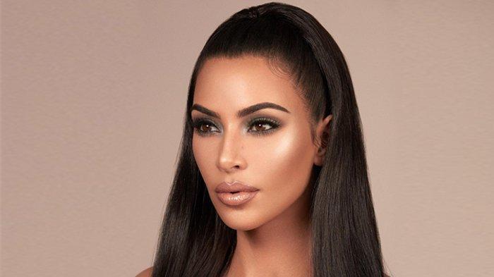 4 Make Up ini Sering Buat Wajah Jadi Berjerawat, Harus Ekstra Hati-hati!