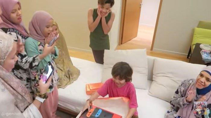 Adik Atta Halilintar Ulang Tahun, Lenggogeni Terharu Krisdayanti Sampai Kirimkan Hadiah ke Malaysia