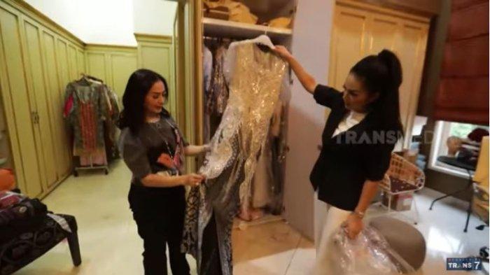 Intip Ruang Wardrobe Krisdayanti, Iis Dahlia Puji Sikap Mimi Tak Pernah Mau Nawar Baju Desainer