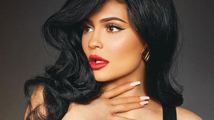 5 Produk Make Up ini Tak Boleh Digunakan Setiap Hari, Bisa Sebabkan Masalah Kulit