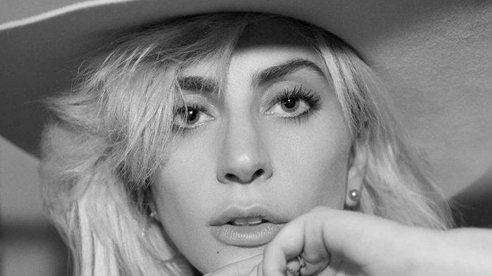 Bawakan Lagu Shallow Bareng Bradley Cooper di Oscar 2019, Lady Gaga Jadi Trending Twitter