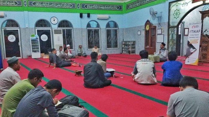 Inilah 7 Hal yang Dapat Membatalkan Itikaf di 10 Hari Terakhir Bulan Ramadhan 1440 H / 2019