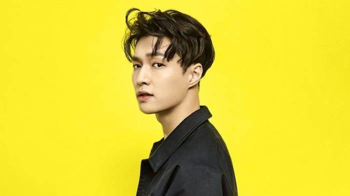 Lagu Lay EXO Give Me A Chance Sudah Puncaki Tangga Lagu di 16 Negara, Padahal Teaser Baru Dirilis