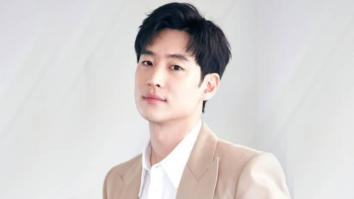 Lee Je Hoon jadi best actor of the year dalam Asia Contents Awards 2021