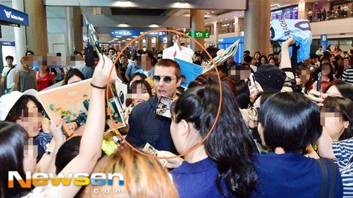 Liam Gallagher Alami Kejadian Mirip Tayeon SNSD di Bandara Incheon, Netter Korea Telan Ludah Sendiri