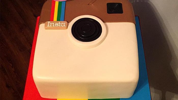 Kue berbentuk Logo Instagram