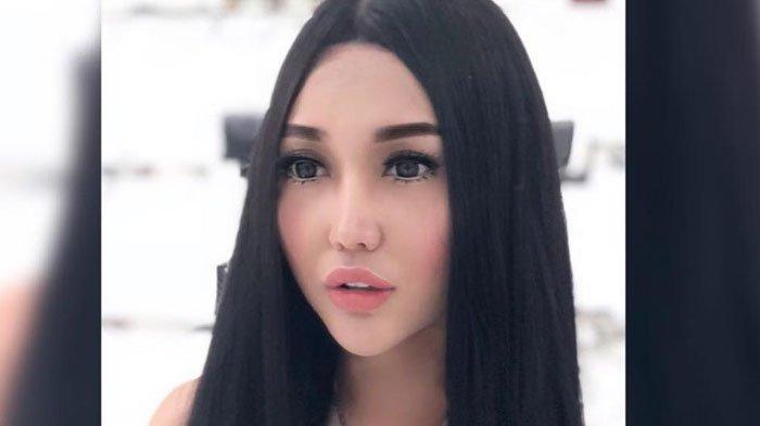 Pamer Foto Pakai Filter Freckles, Lucinta Luna Sebut Dirinya Barbie
