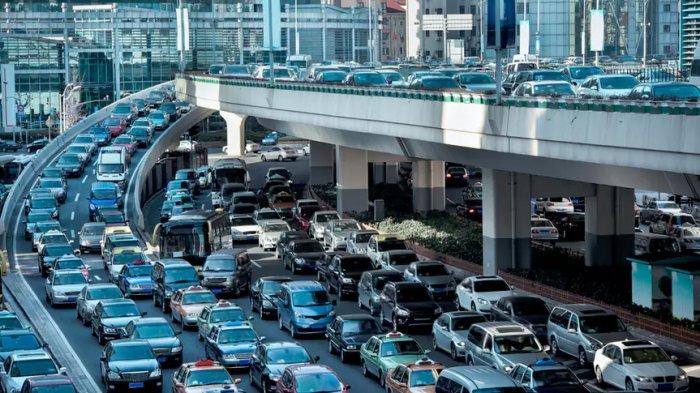 Mau Liburan? Hati-hati! Jasa Marga Prediksi Puncak Kemacetan Lalu Lintas Natal Terjadi Esok Hari!