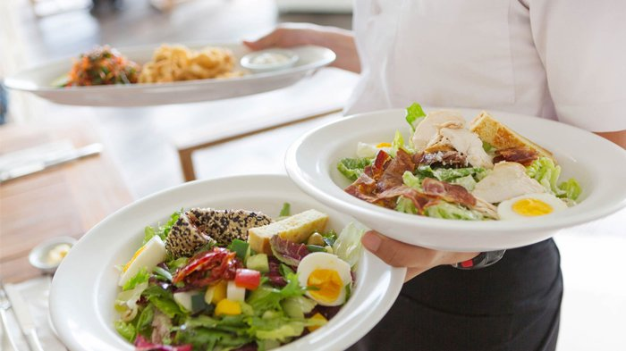 Warna piring mempengaruhi jumlah porsi makan