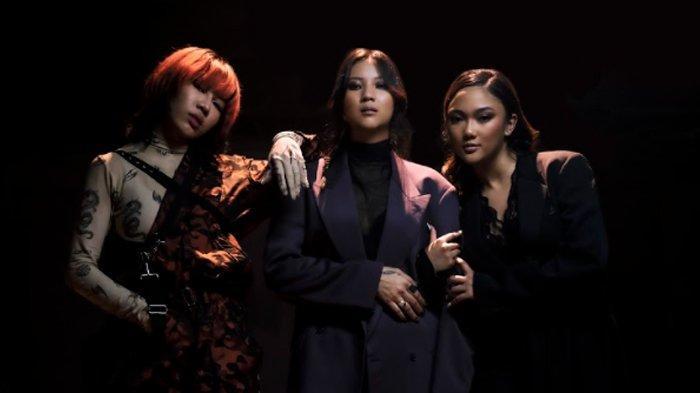 Marion Jola, Danilla, dan Ramengvrl kolaborasi dalam lagu Don't Touch Me.