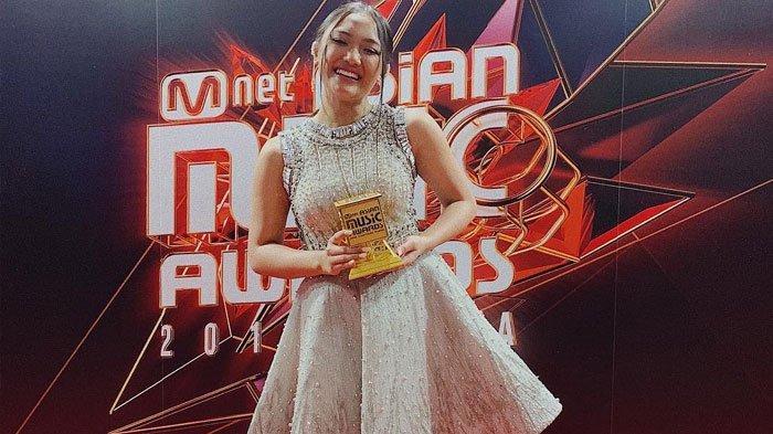 Ga Cuma Marion Jola, 2 Musisi Ternama Ini Juga Menang Penghargaan MAMA 2018, Produksi Lagu yang Sama