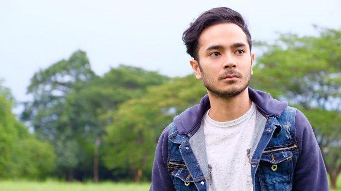 Marthino Lio dan Temannya Menyanyikan Lagu The Script versi Akustik, Netizen Kepincut Suara Emasnya