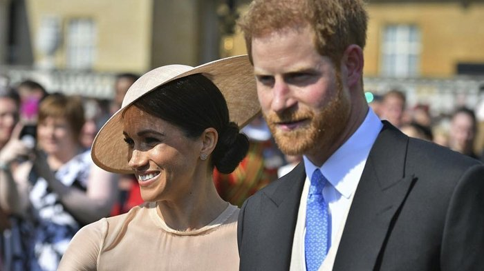 Hadiri Acara Kerajaan Pertamanya dengan Pangeran Harry, Baju Meghan Markle Jadi Sorotan: Kedodoran?