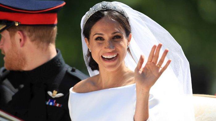 Jadi Hiasan Penutup Kepala Pengantin, Ini 8 Jenis Wedding Veil yang Super Cantik, Kamu Pilih Mana?