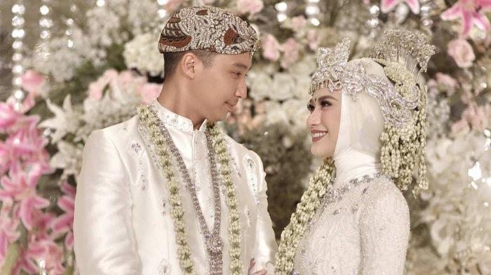 Doa Ketika Menghadiri Pernikahan untuk Kedua Mempelai yang Baru Saja Sah Menjadi Suami Istri