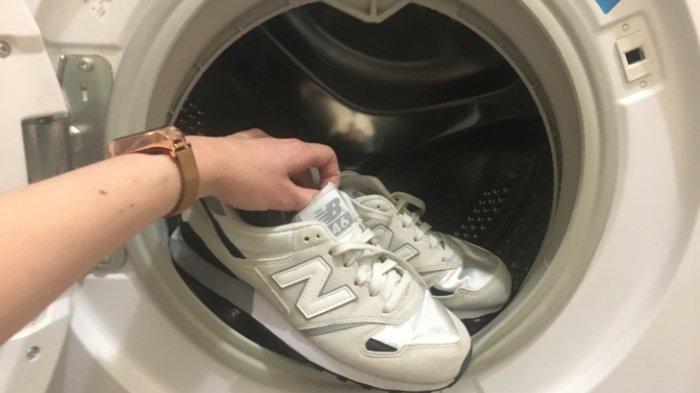 6 Langkah Mencuci Sepatu Pakai Mesin Cuci dengan Cara yang Benar