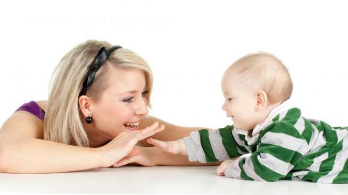 Ilustrasi seorang ibu dengan anaknya