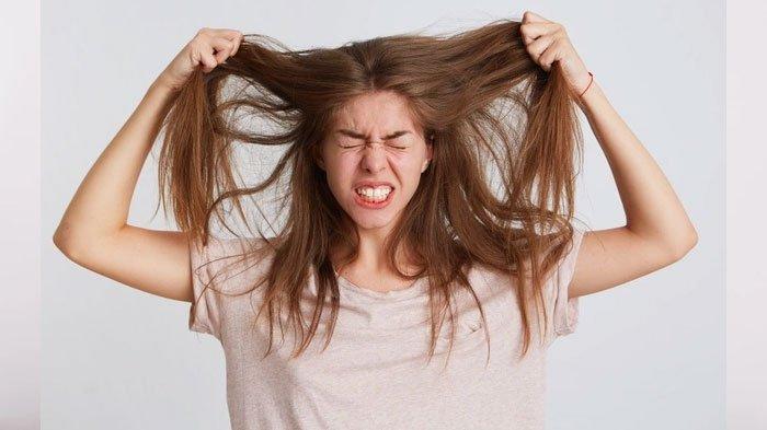 Tips mengatasi rambut kering dan mengembang