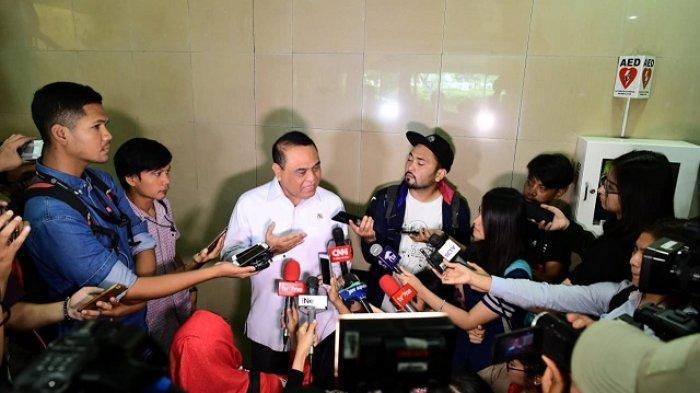Menteri PANRB Syafruddin memberikan keterangan kepada wartawan mengenai seleksi PPPK 2019 di Jakarta, Jumat (08/02).