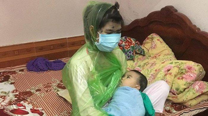 Takut Anaknya Tertular Cacar Air, Usaha Ibu Menyusui Bayinya Ini Buat Netter Tertawa Sekaligus Kagum