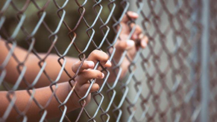 Miris Bocah 12 Tahun Dikurung di Bekas Kandang Ayam Tanpa Busana, Terungkap Fakta Pilunya