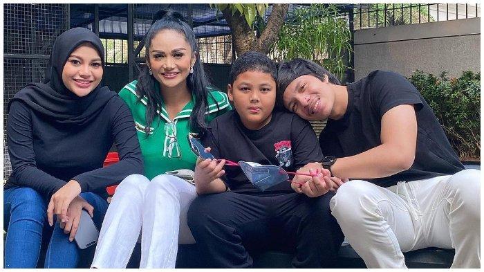 Momen Krisdayanti ajak Kellen main ke rumah Aurel Hermansyah dan Atta Halilintar.