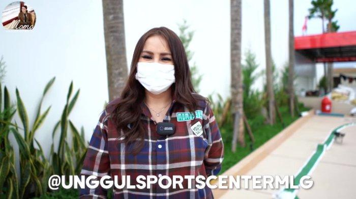 Momo mempromosikan Unggul Sport Center