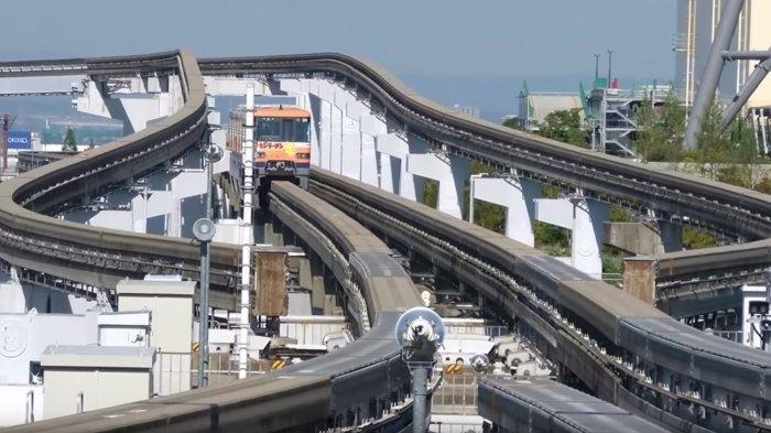 Viral Video Persimpangan Monorail di Jepang yang Ngeri Sekaligus Memesona