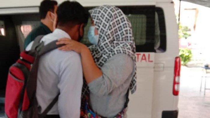 Muhammad Haikal Iskandar didatangi mobil jenazah di sekolahnya.