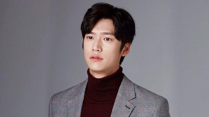 Profil Na In Woo, Biodata & Fakta Menarik Aktor yang Gantikan Ji Soo di River Where The Moon Rises
