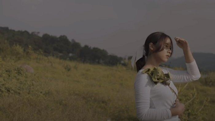 Tepat di Hari Ulang Tahun, Nadin Amizah Rilis Video Musik Lagu-Lagu dari Album Kalah Bertaruh