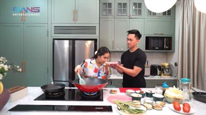 Masak Tongseng, Nagita Slavina Gelontorkan Uang Rp 12 Juta untuk Beli Daging Sapi: 'Enak Banget'