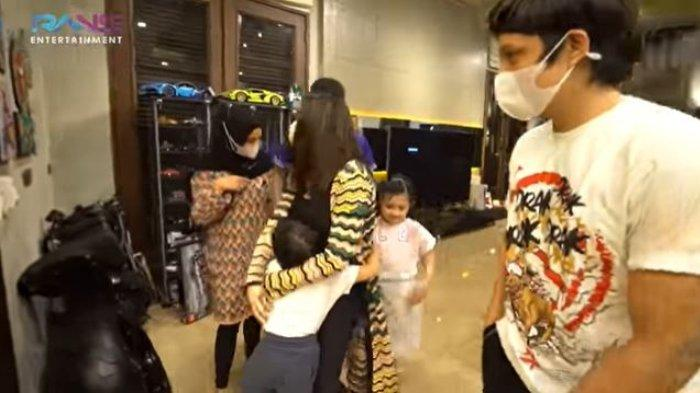 POPULER Minta Perut Buncitnya Dielus Putra Ashanty, Nagita Slavina: 'Supaya Ganteng Kayak Arsya'