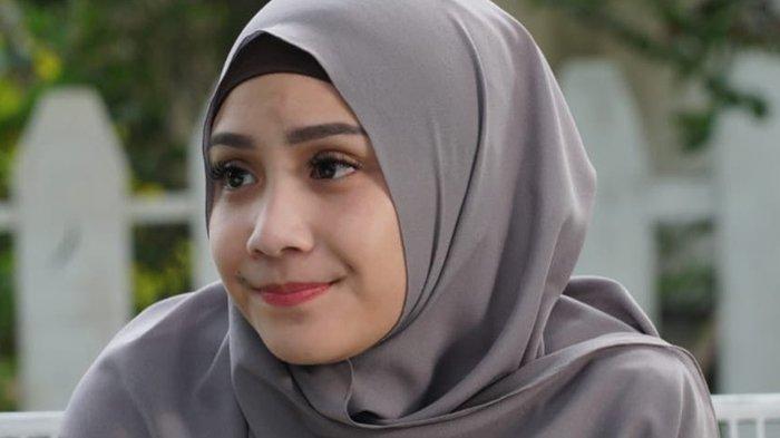 Sedang Jalani Umroh bersama Keluarga, Tampilan Nagita Slavina Lagi-lagi Curi Perhatian, Intip Yuk