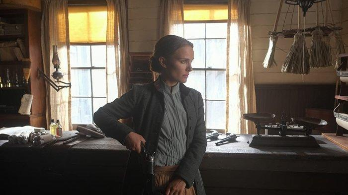 Natalie Portman dalam film Jane Got a Gun.