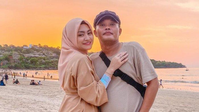 POPULER Romantis, Intip Momen Manis Sule Bangunkan Nathalie Holscher di Kamar: Bunda Sahur Enggak?