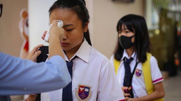 SEKOLAH Dibuka, 2 Siswa Kena Corona, Guru dan Anak Didik Langsung Dipulangkan, Pelajaran dari Korea